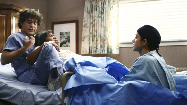 "GREY'S ANATOMY - ""It's the End of the World (As We Know It)"" (ABC/SCOTT GARFIELD)T.R. KNIGHT, CHANDRA WILSON, KATE WALSH"