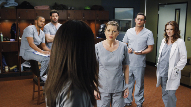 GREY'S ANATOMY - &quot;If/Then&quot; - As Meredith puts Zola to bed and falls asleep, she begins to wonder -- what if her mother had never had Alzheimer's and she'd had loving, supportive parents? The reverberations of a happy Meredith Grey change the world of Seattle Grace as we know it. What if she had never met Derek in that bar and he had never separated from Addison? What if Callie and Owen had become a couple long before she met Arizona? And what if Bailey never evolved from the meek intern she once was? &quot;Grey's Anatomy&quot; airs THURSDAY, FEBRUARY 2 (9:00-10:02 p.m., ET) on the ABC Television Network. (ABC/VIVIAN ZINK)JESSE WILLIAMS, ROBERT BAKER, SANDRA OH, ELLEN POMPEO, JUSTIN CHAMBERS, SARAH DREW