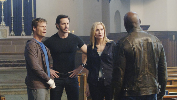 A priest, a terrorist, an FBI agent and a covert alien on TVs V