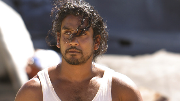 "100939_6315 -- LOST - EPISODE 101 - ""TABULA RASA,"" EPISODE 102 - ""WALKABOUT"" (ABC/MARIO PEREZ)NAVEEN ANDREWS"