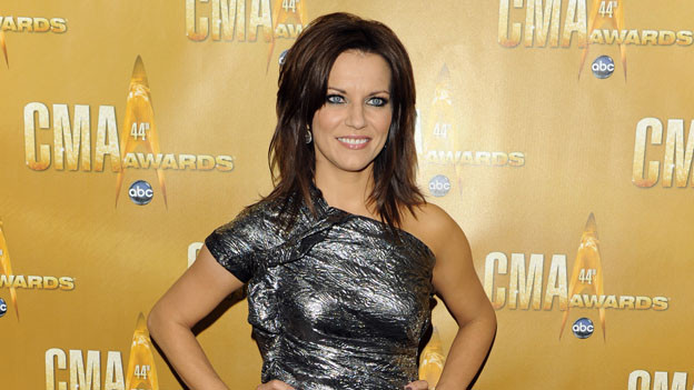 "THE 44TH ANNUAL CMA AWARDS - RED CARPET ARRIVALS - ""The 44th Annual CMA Awards"" will be broadcast live from the Bridgestone Arena in Nashville, WEDNESDAY, NOVEMBER 10 (8:00-11:00 p.m., ET) on the ABC Television Network. (ABC/ANDREW WALKER)MARTINA MCBRIDE"