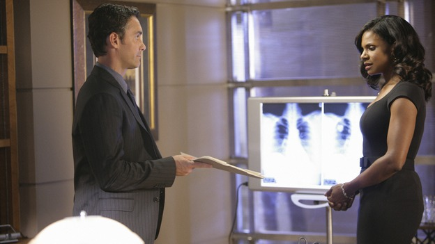 PRIVATE PRACTICE - &quot;Worlds Apart&quot; - Pete's girlfriend, Meg, returns to Los Angeles and notices that Pete and Violet are considerably closer; Kevin questions the direction he and Addison are headed in as a couple; Cooper treats a young diabetic boy with a mysterious past; and Charlotte and her team of Pacific Wellcare doctors continue to siphon business away from Oceanside Wellness, on &quot;Private Practice,&quot; WEDNESDAY, DECEMBER 17 (9:00-10:01 p.m., ET) on the ABC Television Network. (ABC/ADAM TAYLOR)JAY HARRINGTON, AUDRA MCDONALD