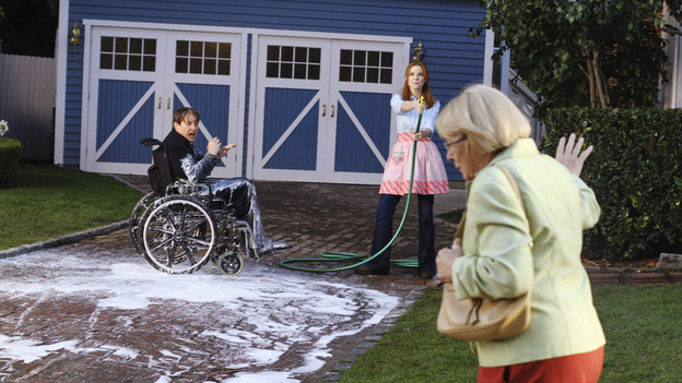 "DESPERATE HOUSEWIVES - ""How About a Friendly Shrink"" - Lynette balks at the idea of seeing a couples' therapist, on ABC's ""Desperate Housewives,"" SUNDAY, JANUARY 17 (9:00-10:01 p.m., ET). Meanwhile, Katherine is seeing her own psychiatrist, Gaby and Susan are determined to find out which of if their kids are in the smartest group at school, and Angie disapproves of Danny's new girlfriend. (ABC/RON TOM)KYLE MACLACHLAN, MARCIA CROSS, KATHRYN JOOSTEN"