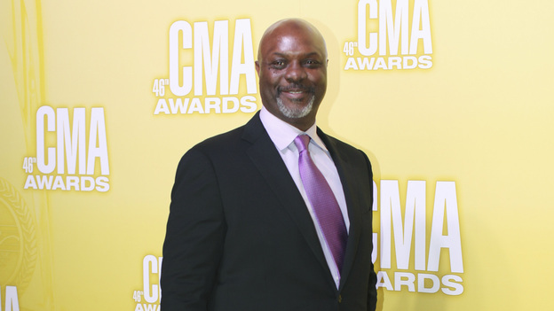 "THE 46TH ANNUAL CMA AWARDS - RED CARPET ARRIVALS - ""The 46th Annual CMA Awards"" airs live THURSDAY, NOVEMBER 1 (8:00-11:00 p.m., ET) on ABC live from the Bridgestone Arena in Nashville, Tennessee. (ABC/SARA KAUSS)ROBERT RAY WISDOM"