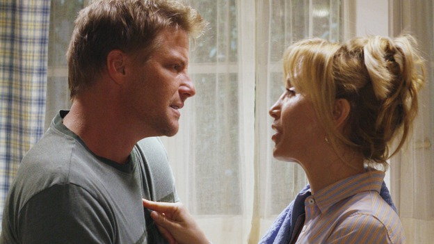 "DESPERATE HOUSEWIVES -- ""Sweetheart, I Have to Confess"" - Tom and Lynette in a small tiff, on ""Desperate Housewives,"" SUNDAY, OCTOBER 29 (9:00-10:01 p.m., ET) on the ABC Television Network. (ABC/RON TOM) DOUG SAVANT, FELICITY HUFFMAN"