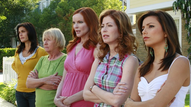 "DESPERATE HOUSEWIVES - ""Art Isn't Easy"" - Bob & Lee's contemporary water sculpture in their front yard prompts the Wisteria Lane neighborhood association into action, Edie finds out about the affair that Carlos is having with Gaby, and John Rowland, the Solis' former gardener, wants to rekindle his romance with Gaby, on ""Desperate Housewives,"" SUNDAY, OCTOBER 28 (9:00-10:01 p.m., ET) on the ABC Television Network.  (ABC/RON TOM)TERI HATCHER, KATHRYN JOOSTEN, MARCIA CROSS, DANA DELANY, EVA LONGORIA"