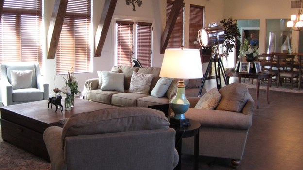 EXTREME MAKEOVER HOME EDITION - &quot;Hill Family,&quot; - Living Room Picture,              on   &quot;Extreme Makeover Home Edition,&quot; Friday, November 4th                 (8:00-10:00   p.m.  ET/PT) on the ABC   Television Network.