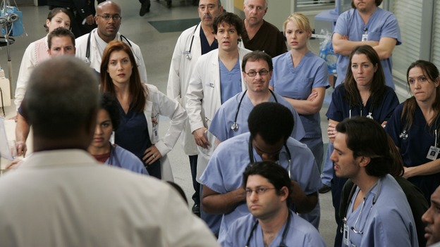 GREY'S ANATOMY - &quot;It's the End of the World (As We Know It)&quot; (ABC/PETER &quot;HOPPER&quot; STONE)JAMES PICKENS, JR., KATE WALSH, T.R. KNIGHT, KATHERINE HEIGL