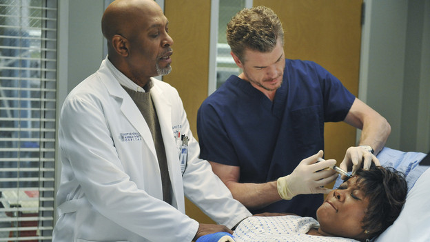 "GREY'S ANATOMY - ""Not Responsible"" - Meredith must choose between her fertility treatments and her eyesight when she begins having trouble seeing, Mark makes it clear to Callie and Arizona that he takes his role as father-to-be very seriously, and April discovers there's more to Dr. Stark than first appears, on ""Grey's Anatomy,"" THURSDAY, FEBRUARY 24 (9:00-10:01 p.m., ET) on the ABC Television Network. (ABC/ERIC MCCANDLESS)JAMES PICKENS JR., ERIC DANE, LORETTA DEVINE"