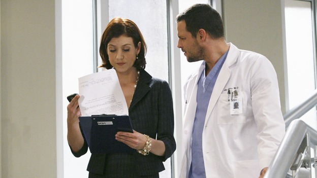 "PRIVATE PRACTICE - ""Ex-Life"" - As Archer recoups from surgery, Derek has Addison work with his pregnant neuro patient; after Sam suffers a sudden asthma attack, Bailey and Naomi work together to find the root cause of Sam's sudden attack; and at Oceanside Wellness, Cooper, Violet and Pete work together to treat a mother suffering from postpartum depression, on ""Private Practice,"" THURSDAY, FEBRUARY 12 (10:02-11:00 p.m., ET) on the ABC Television Network. (ABC/KAREN NEAL)KATE WALSH, JUSTIN CHAMBERS"