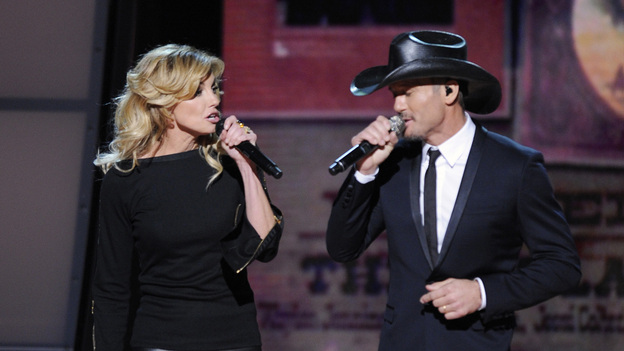 "THE 46TH ANNUAL CMA AWARDS - THEATRE - ""The 46th Annual CMA Awards"" airs live THURSDAY, NOVEMBER 1 (8:00-11:00 p.m., ET) on ABC live from the Bridgestone Arena in Nashville, Tennessee. (ABC/KATHERINE BOMBOY-THORNTON)FAITH HILL, TIM MCGRAW"