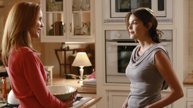 "DESPERATE HOUSEWIVES - ""Don't Walk on the Grass"" - Rules were made to be broken, on ABC's ""Desperate Housewives,"" SUNDAY, NOVEMBER 1 (9:00-10:01 p.m., ET). Bree begins to fall for Karl and drifts further from Orson; Katherine continues her sad attempts at seducing Mike, as her conflict with Susan grows; Gaby gets Juanita expelled from school; Lynette learns Tom is cheating on his mid-term, and Angie hides the truth about her mother. (ABC/RON TOM)MARCIA CROSS, TERI HATCHER"