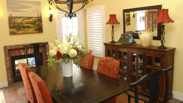 EXTREME MAKEOVER HOME EDITION - &quot;Pope Family,&quot; - Dining Room, on &quot;Extreme Makeover Home Edition,&quot; Sunday, October 10th on the ABC Television Network.