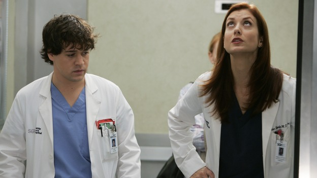 "GREY'S ANATOMY - ""It's the End of the World (As We Know It)"" (ABC/PETER ""HOPPER"" STONE)KATHERINE HEIGL, KATE WALSH"