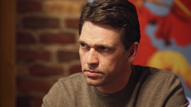 "DESPERATE HOUSEWIVES - ""My Husband, the Pig"" - Ian sizing up Mike as they play poker, on ""Desperate Housewives,"" SUNDAY, MARCH 4 (9:00-10:01 p.m., ET) on the ABC Television Network.  (ABC/DANNY FELD) DOUGRAY SCOTT"