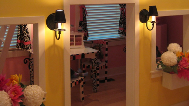 "EXTREME MAKEOVER HOME EDITION - ""Martirez/Malez Family,"" - Girl's Bedroom, on ""Extreme Makeover Home Edition,"" Sunday, November 9th on the ABC Television Network."