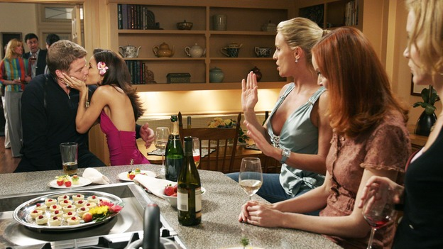 DESPERATE HOUSEWIVES - &quot;One More Kiss&quot; (ABC/RON TOM)DOUG SAVANT, EVA LONGORIA, NICOLLETTE SHERIDAN, MARCIA CROSS, FELICITY HUFFMAN