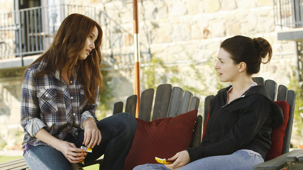 PRIVATE PRACTICE - &quot;The Breaking Point&quot; - In the second hour or a special two-hour edition of ABC's &quot;Private Practice,&quot; THURSDAY, NOVEMBER 17 (9:00-11:00 p.m., ET), entitled &quot;The Breaking Point,&quot; Amelia makes the hard decision to enter a rehab facility, and finds strength in an 18 year-old girl, as they both go through the painful detox process. Meanwhile, Cooper's strengthening bond with his son is tested by his allegiance to a patient in need, Pete and Violet's marriage reaches a tipping point, and Addison collapses from her rigorous fertility treatments. (ABC/VIVIAN ZINK)DEBBY RYAN, CATERINA SCORSONE