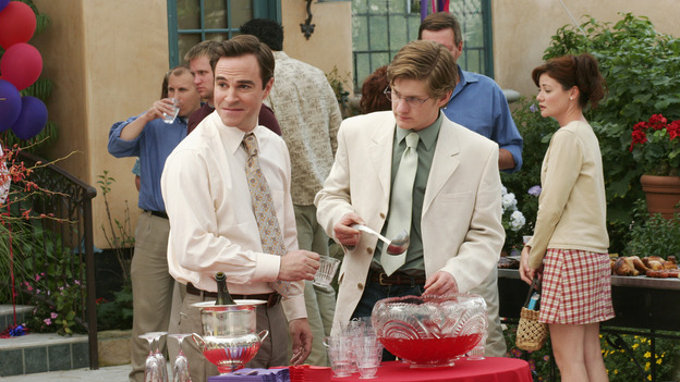"DESPERATE HOUSEWIVES - ""FEAR NO MORE "" (ABC/RON TOM) ROGER BART, CODY KASCH"