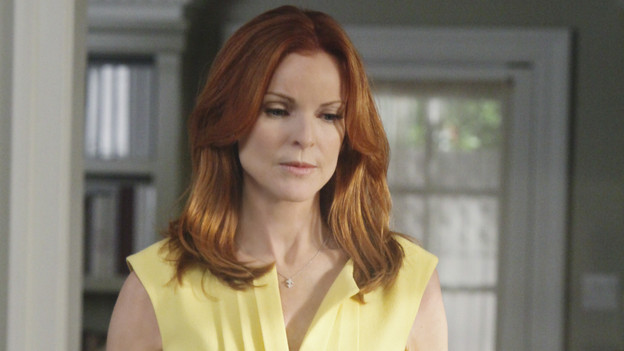 "DESPERATE HOUSEWIVES - ""You Must Meet My Wife"" -  After Renee begins spending a lot of time with Tom, an angry Lynette feels she's trying to sabotage their marriage; Bree fires Keith (Brian Austin Green) without warning when she suddenly finds herself falling for him; Susan is wracked with guilt about lying to Mike about her new, risqu side job; Gabrielle rushes to the hospital after learning that Bree accidentally hit Juanita with the car; and Paul introduces the women of Wisteria Lane to his new wife, on ""Desperate Housewives,"" SUNDAY, OCTOBER 3 (9:00-10:01 p.m., ET) on the ABC Television Network. (ABC/DANNY FELD)MARCIA CROSS"