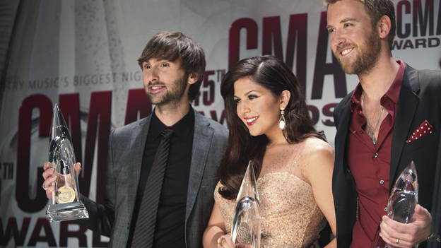 "THE 45th ANNUAL CMA AWARDS - GENERAL - ""The 45th Annual CMA Awards"" broadcast live on ABC from the Bridgestone Arena in Nashville on WEDNESDAY, NOVEMBER 9 (8:00-11:00 p.m., ET). (ABC/SARA KAUSS) LADY ANTEBELLUM"