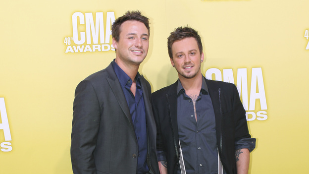"THE 46TH ANNUAL CMA AWARDS - RED CARPET ARRIVALS - ""The 46th Annual CMA Awards"" airs live THURSDAY, NOVEMBER 1 (8:00-11:00 p.m., ET) on ABC live from the Bridgestone Arena in Nashville, Tennessee. (ABC/SARA KAUSS)LOVE AND THEFT"