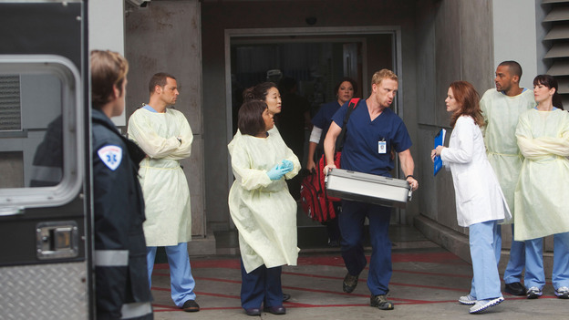 "GREY'S ANATOMY - ""Free Falling"" - In the first hour, ""Free Falling"" (9:00-10:00 p.m.), the fifth-year residents return for the first day of a year that will make or break their careers: Meredith faces the consequences of tampering with Derek's clinical trial and is terminated at the hospital; April tries to step up to the plate as Chief Resident in the wake of a giant sinkhole in the middle of Seattle; and Cristina and Owen are still at odds over their drastically different feelings for their unborn child. ""Grey's Anatomy"" returns for its eighth season with a two-hour event THURSDAY, SEPTEMBER 22 (9:00-11:00 p.m., ET) on the ABC Television Network. (ABC/RANDY HOLMES)JUSTIN CHAMBERS, CHANDRA WILSON, SANDRA OH, SARA RAMIREZ, KEVIN MCKIDD, SARAH DREW, JESSE WILLIAMS, CHYLER LEIGH"