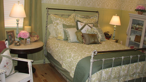 EXTREME MAKEOVER HOME EDITION - &quot;Rogers Family,&quot; - Master Bedroom, on &quot;Extreme Makeover Home Edition,&quot; Sunday, September 24th on the ABC Television Network.