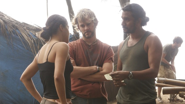 "LOST - ""The Whole Truth"" (ABC/MARIO PEREZ)MICHELLE RODRIGUEZ, DOMINIC MONAGHAN, NAVEEN ANDREWS"
