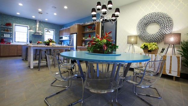 "EXTREME MAKEOVER HOME EDITION - Dining Room Photo, ""Friday Family,"" on ""Extreme Makeover Home Edition,"" Monday, December 17th (8:00-10:00 p.m. ET/PT) on the ABC Television Network."