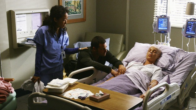"GREY'S ANATOMY - ""Now or Never"" - Dr. Alex Karev waits desperately for his new wife, Dr. Izzie Stevens, to wake up, while Dr. Cristina Yang looks on, on ""Grey's Anatomy,"" THURSDAY, MAY 14 (9:00-11:00 p.m., ET) on the ABC Television Network. SANDRA OH, JUSTIN CHAMBERS, KATHERINE HEIGL"