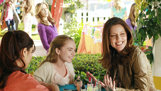 DESPERATE HOUSEWIVES - &quot;You Take for Granted&quot; - Susan convinces Mike to go to the police when she discovers that Ben's loanshark is out to get him; Gaby is justifiably concerned when Carlos exhibits some strange behavior on his first day back to work; Tom's girlfriend, Jane, drops a bombshell on Lynette during Penny's birthday party; and Mrs. McCluskey, who is suffering from terminal cancer, asks Bree to help put an end to her life, on &quot;Desperate Housewives,&quot; SUNDAY, MARCH 11 (9:00-10:01 p.m., ET) on the ABC Television Network. (ABC/RON TOM)FELICITY HUFFMAN, DARCY ROSE BYRNES, ANDREA PARKER