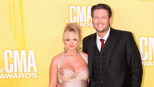 "THE 46TH ANNUAL CMA AWARDS - RED CARPET ARRIVALS - ""The 46th Annual CMA Awards"" airs live THURSDAY, NOVEMBER 1 (8:00-11:00 p.m., ET) on ABC live from the Bridgestone Arena in Nashville, Tennessee. (ABC/SARA KAUSS)MIRANDA LAMBERT, BLAKE SHELTON"