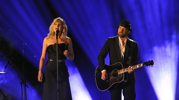 "THE 43rd ANNUAL CMA AWARDS - THEATRE - ""The 43rd Annual CMA Awards"" broadcast live from the Sommet Center in Nashville, WEDNESDAY, NOVEMBER 11 (8:00-11:00 p.m., ET) on the ABC Television Network. (ABC/KATHERINE BOMBOY)SUGARLAND"