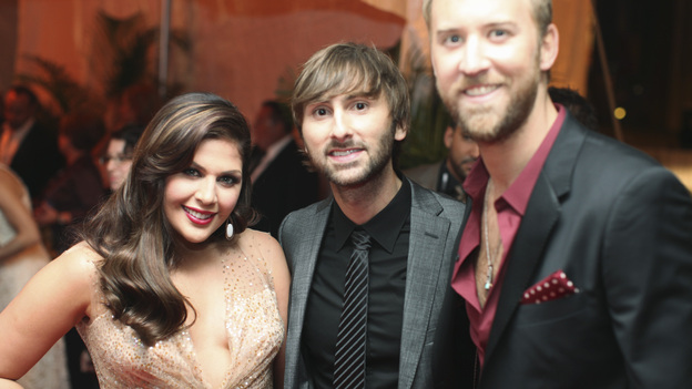 "THE 45th ANNUAL CMA AWARDS - RED CARPET ARRIVALS - ""The 45th Annual CMA Awards"" will broadcast live on ABC from the Bridgestone Arena in Nashville on WEDNESDAY, NOVEMBER 9 (8:00-11:00 p.m., ET). (ABC/SARA KAUSS)LADY ANTEBELLUM"