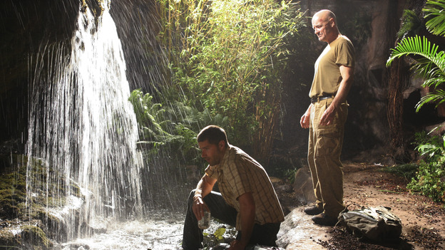 "LOST - ""Born to Run"" - Jack suspects foul play when Michael becomes violently ill while building the raft, on ""Lost,"" THURSDAY, MAY 11 on the ABC Television Network. (ABC/MARIO PEREZ) MATTHEW FOX, TERRY O'QUINN"