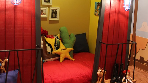 EXTREME MAKEOVER HOME EDITION - Boy's Bedroom Photo, &quot;Harris Family,&quot; on &quot;Extreme Makeover Home Edition,&quot; Monday, December 10th (8:00-10:00 p.m. ET/PT) on the ABC Television Network.