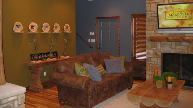 EXTREME MAKEOVER HOME EDITION - &quot;Farina Family,&quot; - Living Room, on &quot;Extreme Makeover Home Edition,&quot; Sunday, November 12th on the ABC Television Network.