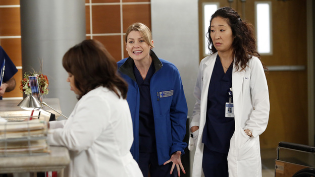 "GREY'S ANATOMY - ""Walking on a Dream"" - The Seattle Grace doctors are on edge when a new medical professional enters the hospital; Arizona struggles with the emotional and physical pain of a phantom limb; and while battling pregnancy hormones, an overly-emotional Meredith is confronted with her worst fear, on ""Grey's Anatomy,"" THURSDAY, JANUARY 24 (9:00-10:02 p.m., ET) on the ABC Television Network. (ABC/KELSEY MCNEAL)CHANDRA WILSON, ELLEN POMPEO, SANDRA OH"