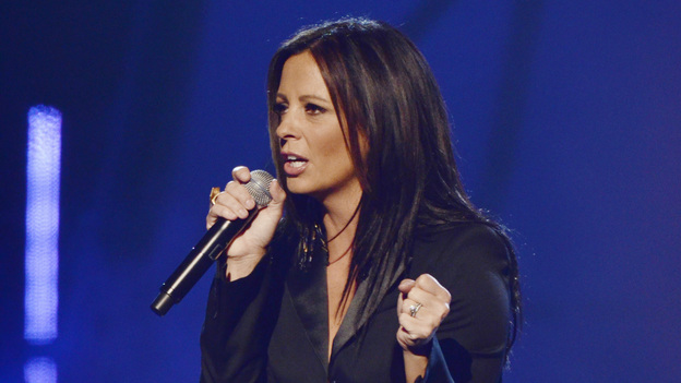 "THE 45th ANNUAL CMA AWARDS - THEATRE - ""The 45th Annual CMA Awards"" broadcast live on ABC from the Bridgestone Arena in Nashville on WEDNESDAY, NOVEMBER 9 (8:00-11:00 p.m., ET). (ABC/KATHERINE BOMBOY-THORNTON)SARA EVANS"