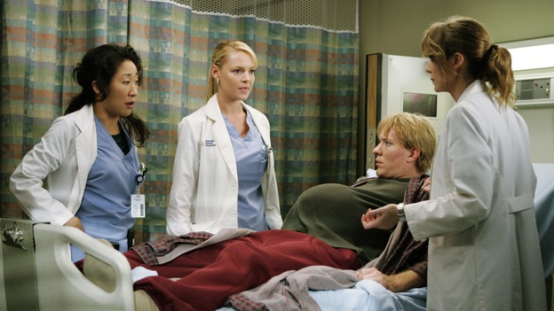 "GREY'S ANATOMY - ""Something to Talk About""(ABC/CRAIG SJODIN)SANDRA OH, KATHERINE HEIGL, JOE SIKORA, ELLEN POMPEO"