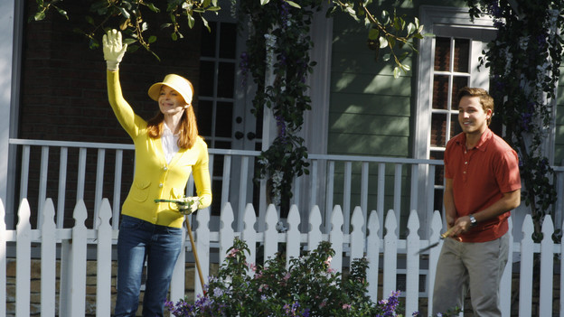 DESPERATE HOUSEWIVES - &quot;You Gotta Get a Gimmick&quot; - The act of stripping reveals many things, on ABC's &quot;Desperate Housewives,&quot; SUNDAY, JANUARY 10 (9:00-10:01 p.m., ET). Susan turns up the heat for Mike, Bree learns it won't be easy to undo the hurt she's caused Orson, Lynette discovers Tom's true intentions, and Gaby is forced to examine feelings she's suppressed about her heritage. (ABC/RON TOM) MARCIA CROSS, SHAWN PYFROM