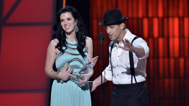 "THE 46TH ANNUAL CMA AWARDS - THEATRE - ""The 46th Annual CMA Awards"" airs live THURSDAY, NOVEMBER 1 (8:00-11:00 p.m., ET) on ABC live from the Bridgestone Arena in Nashville, Tennessee. (ABC/KATHERINE BOMBOY-THORNTON)THOMPSON SQUARE"