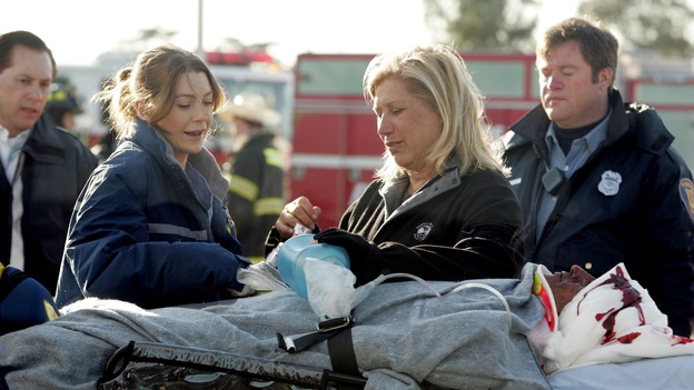 "GREY'S ANATOMY - ""Walk on Water"" - Producer/technical advisor Linda Klein (right ) coaches Ellen Pompeo (left) while shooting ""Grey's Anatomy"" on location at the Santa Anita Park in Arcadia, California. (ABC/VIVIAN ZINK)"