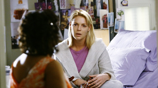 "GREY'S ANATOMY - ""What a Difference a Day Makes"" - Izzie makes last-second wedding plans for Meredith and Derek while Bailey appears with a surprise, on ""Grey's Anatomy,"" THURSDAY, MAY 7 (9:00-10:02 p.m., ET) on the ABC Television Network. (ABC/SCOTT GARFIELD) CHANDRA WILSON, KATHERINE HEIGL"
