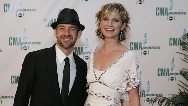 THE 42ND ANNUAL CMA AWARDS - ARRIVALS - &quot;The 42nd Annual CMA Awards&quot; will be broadcast live from the Sommet Center in Nashville, WEDNESDAY, NOVEMBER 12 (8:00-11:00 p.m., ET) on the ABC Television Network. (ABC/ADAM LARKEY)SUGARLAND: KRISTIAN BUSH, JENNIFER NETTLES
