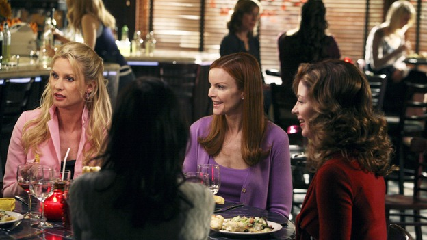 "DESPERATE HOUSEWIVES - ""In Buddy's Eyes"" - The housewives dine and gossip, on Desperate Housewives,"" SUNDAY, APRIL 20 (9:00-10:02 p.m., ET) on the ABC Television Network. (ABC/DANNY FELD) NICOLLETTE SHERIDAN, TERI HATCHER, MARCIA CROSS, DANA DELANY"