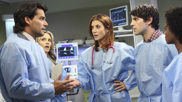"PRIVATE PRACTICE - ""In or Out"" - Much to her displeasure, Addison is teamed with a new oncologist, Dr. Rodriguez, to treat a newborn baby with a malignant tumor; when Violet and Sheldon visit a prison in order to interview inmates who are up for parole, Pete is highly uncomfortable as Violet tries to help a parolee; and Addison and Violet suggest Sheldon could be the solution for Amelia's needs, on ""Private Practice,"" THURSDAY, OCTOBER 21 (10:01-11:00 p.m., ET) on the ABC Television Network. (ABC/RON TOM)CRISTIAN DE LA FUENTE, KADEE STRICKLAND, KATE WALSH, DAVID GIUNTOLI, LINARA WASHINGTON"
