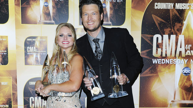 "THE 44TH ANNUAL CMA AWARDS - GENERAL - ""The 44th Annual CMA Awards"" will be broadcast live from the Bridgestone Arena in Nashville, WEDNESDAY, NOVEMBER 10 (8:00-11:00 p.m., ET) on the ABC Television Network. (ABC/ANDREW WALKER)MIRANDA LAMBERT, BLAKE SHELTON"