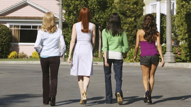 "DESPERATE HOUSEWIVES - ""Mother Said"" - The housewives turn their backs on Edie, on Desperate Housewives,"" SUNDAY, MAY 11 (9:00-10:02 p.m., ET) on the ABC Television Network.  (ABC/DANNY FELD) FELICITY HUFFMAN, MARCIA CROSS, TERI HATCHER, EVA LONGORIA PARKER"